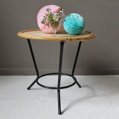 Table ronde rotin vintage pi tement en fer for Pietement table ronde