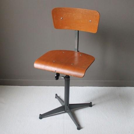 chaise de bureau industrielle vintage bois et m tal avec si ge pivotant et r glable. Black Bedroom Furniture Sets. Home Design Ideas