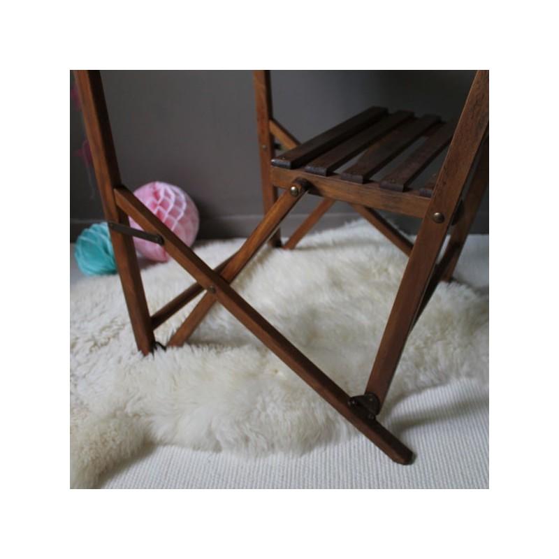 Bureau pupitre d 39 colier vintage en bois qui se plie et se for Table qui se deplie